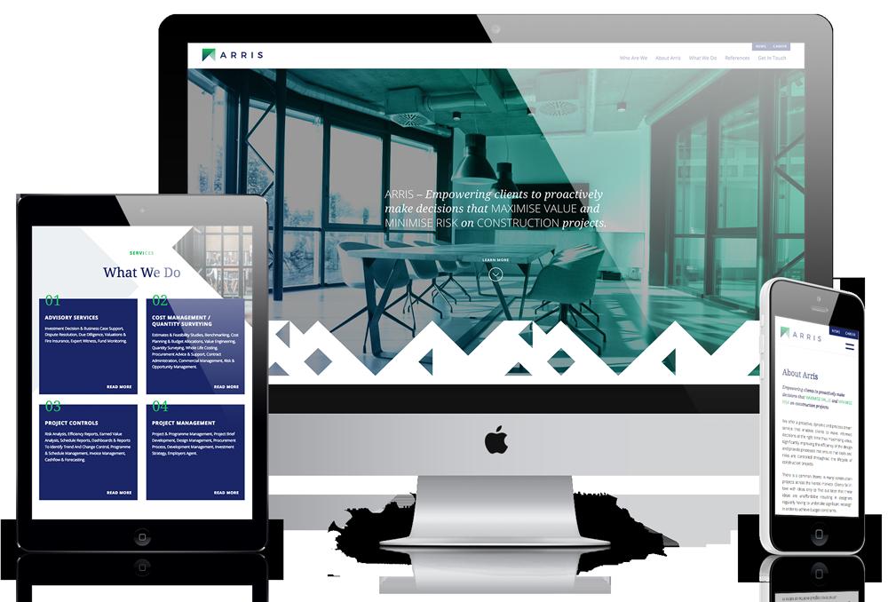 Mockup för hemsidan arris.com. En desktopversion i mitten, en surfplatteversion till vänster och en mobilversion till höger.
