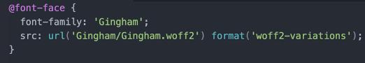 Visar programmeringskod för att infoga teckensnittet via font-face.